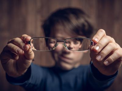 Anzeichen für Brillen bei kinder