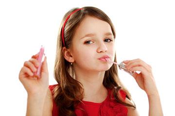Ab wann kann man Mädchen erlauben sich zu schminken?