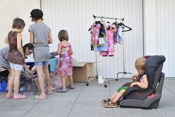 Wo kann man gebrauchte Kinderkleidung verkaufen
