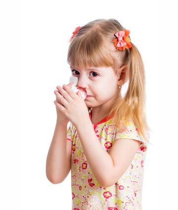 Was hilft Kindern bei Nasenbluten?