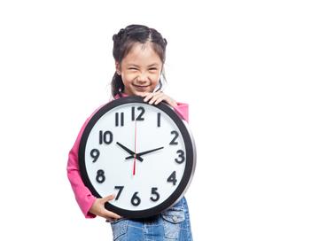 So lernen Kinder die Uhr